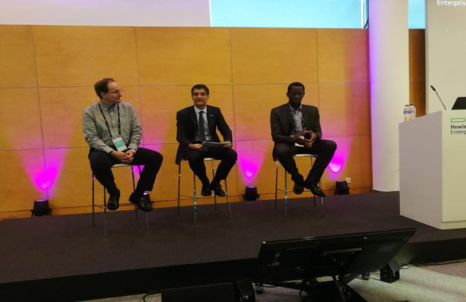 En el centro: José María de la Torre, Presidente de Hewllet Packard Enterprise España, en el HPE Discover 2018.
