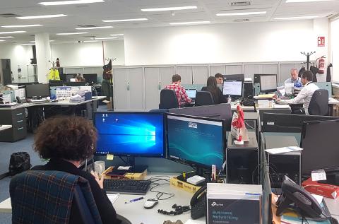 Oficinas de un mayorista informático.