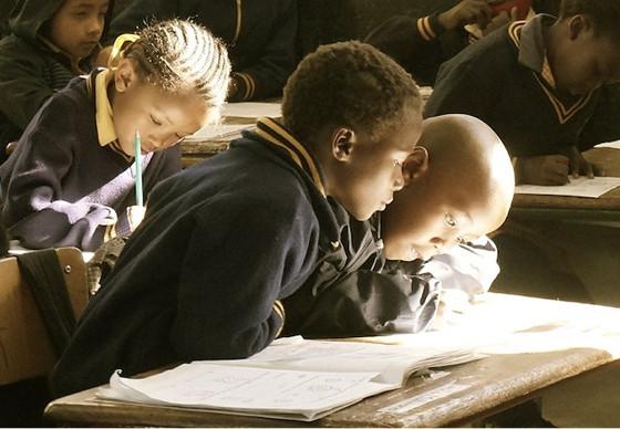 Luz verde a Eurona para llevar Internet a medio millón de niños en Benín