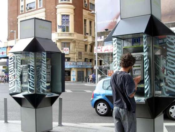 La CNMC subraya la necesidad de suprimir las cabinas telefónicas.