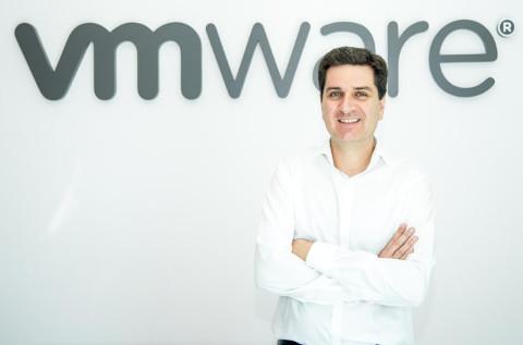 Vicente Pérez, de. VMware.