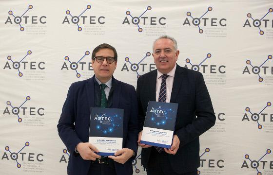 Antonio Duréndez Gómez-Guillamón, director del estudio, y Antonio García Vidal, presidente de AOTEC.