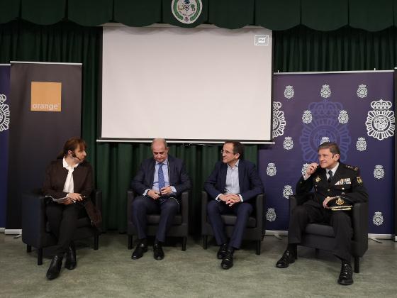 La Policía Nacional y Orange alertan sobre el riesgo de los social challenges.