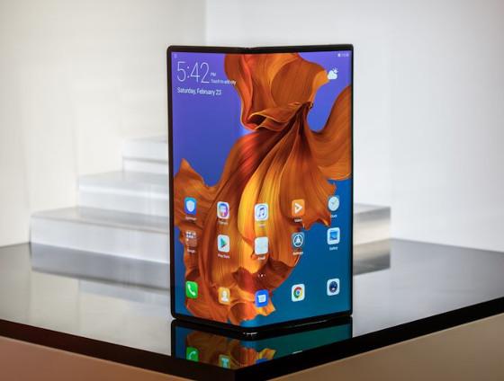 Huawei Mate X, smartphone 5G plegable.