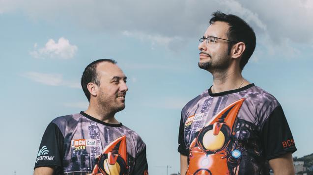Jonathan Vila (izquierda) y Nacho Cougil (derecha), organizadores de JBCNConf