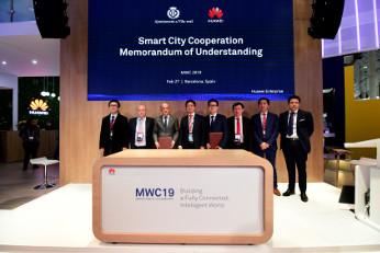 Acuerdo entre el Ayuntamiento de Vila-real y Huawei Empresas para convertir Vila-real en smart cities.