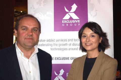Vesku Turtia, de Nozomi, y Carmen Muñoz, de Exclusive Networks.