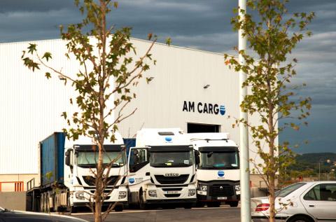 Flota de camiones de AM Cargo.