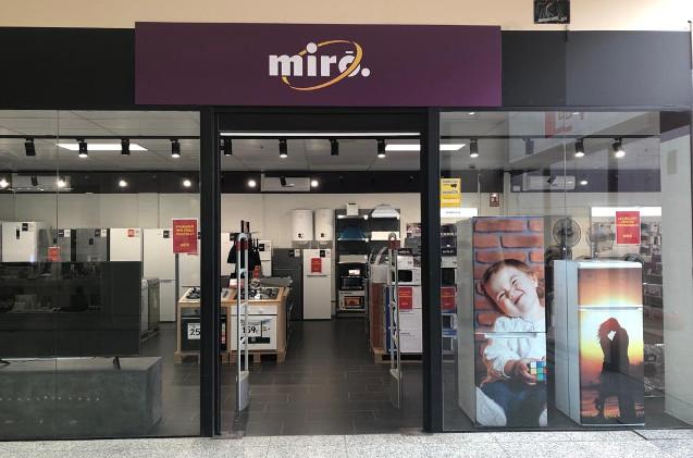 Nuevo local en el Centro Comercial La Vailet de Sant Vicenç dels Horts.