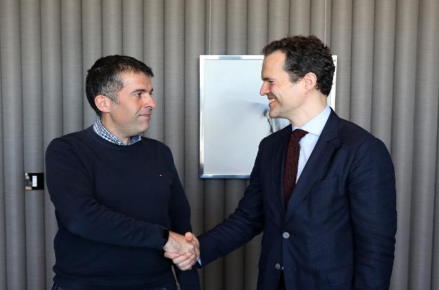Ignacio Bernal, responsable global de Arquitectura e Ingeniería en BBVA, y Marc Montiel, vicepresidente de Enterprise Countries EMEA de NetApp.