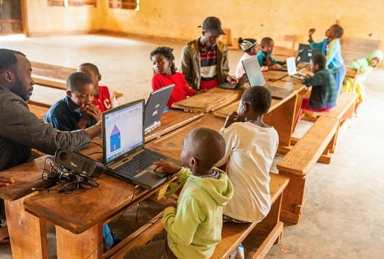Eurona dará Internet a 2.000 escuelas de Senegal.