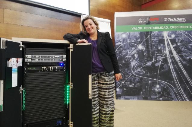 Ana Carolina Cardoso, directora de canal de APC by Schneider.