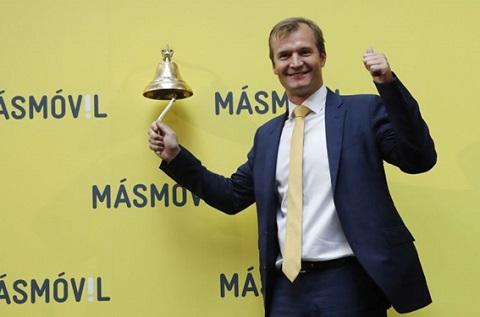 """Meinrad Spenger, CEO del Grupo MASMOVIL, durante el """"toque de campana"""" en la salida del Grupo al Mercado Continuo."""