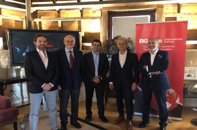 Enrique Benayas (ICEMD), Antonio Barros (Intercom), Félix de Ana (Grupo PSA), Rafael de Juan (Dulcesol) y Enrique Ruiz (RGA re).