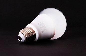 ENLIGHT'EM: conectividad en bombillas LED.