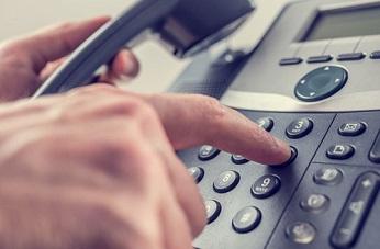 La CNMC rebaja un 33% el precio mayorista de las llamadas en red fija