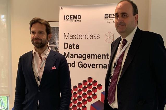 Enrique Benayas, Director General de ICEMD y Raúl Cruces, Data Group Vice-president en el Banco Santander.