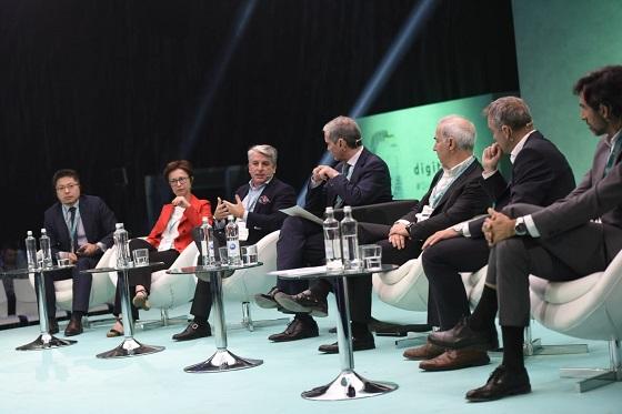 La segunda jornada del congreso DigitalES Summit 2019 celebró un panel de debate sobre los retos tecnológicos para el mundo de mañana