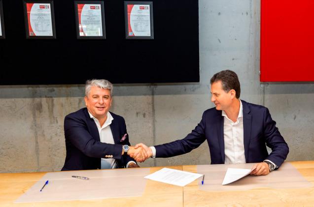 El CEO del grupo Trison, Alberto Cáceres, y el presidente de Accenture en España, Portugal e Israel, Juan Pedro Moreno.