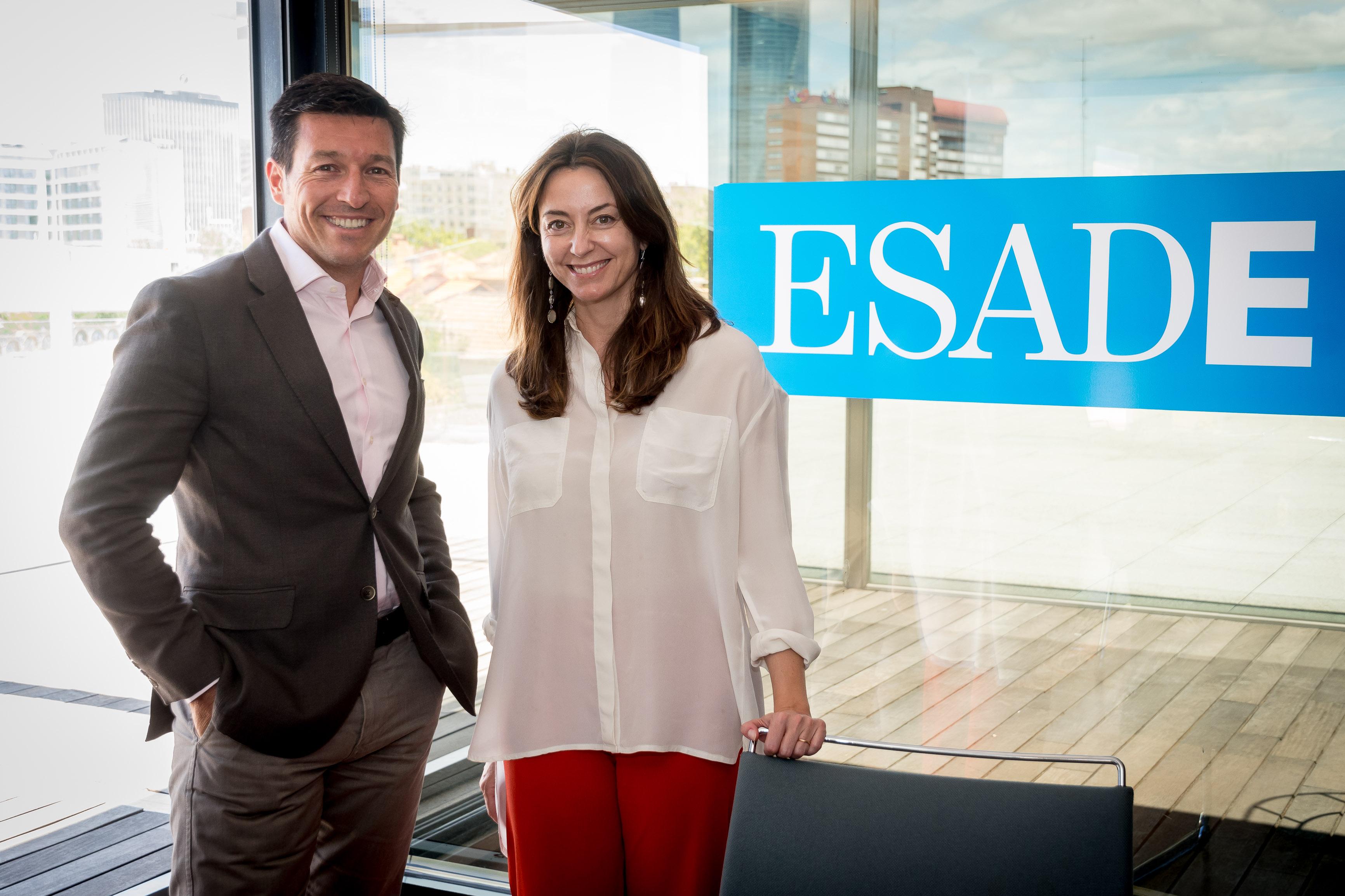 Alicia Richart, directora general de DigitalES, y Julio Villalobos, director corporativo de ESADE.