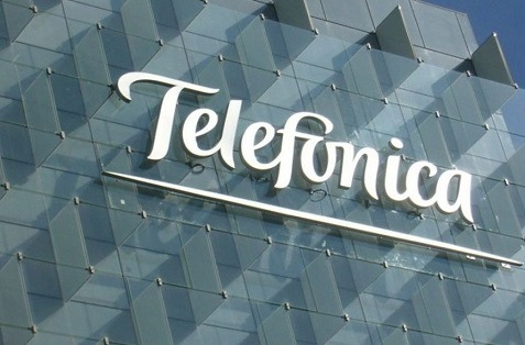 La reestructuración merma los beneficios de Telefónica.