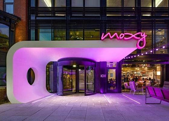 Moxy Hotels actualiza su infraestructura de comunicaciones con Avaya.