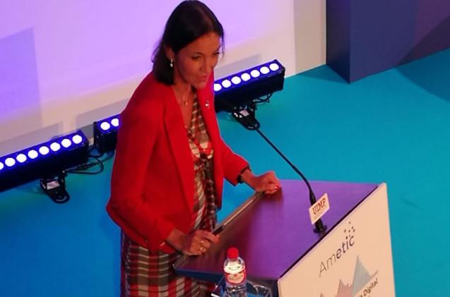 Reyes Maroto, ministra de Industria, Comercio y Turismo, durante su intervención en Santander.