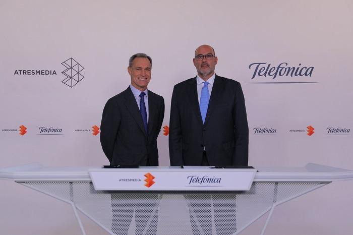 Silvio González, consejero delegado de Atresmedia, y Emilio Gayo, presidente de Telefónica España.