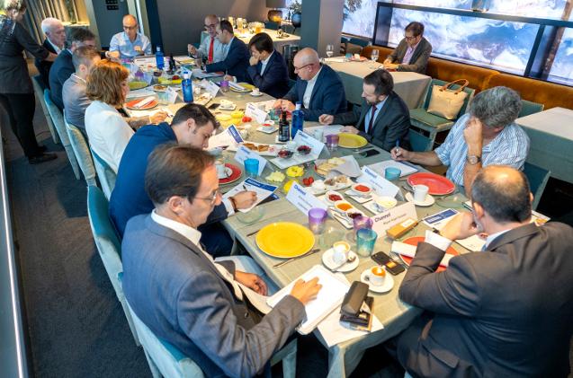 En el desayuno se habló de la nueva legislación para el reciclaje de cartuchos.