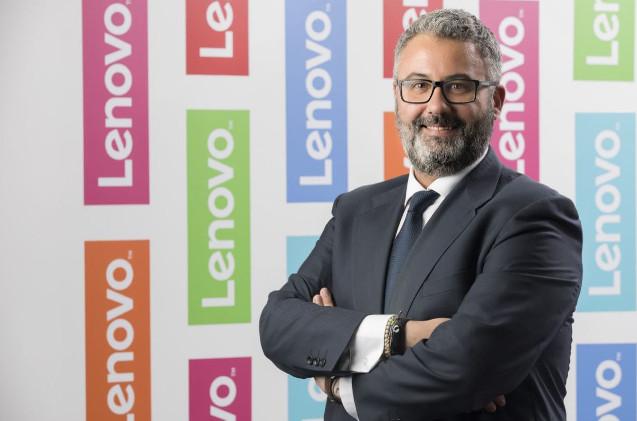 Miguel Hernández, de Lenovo.
