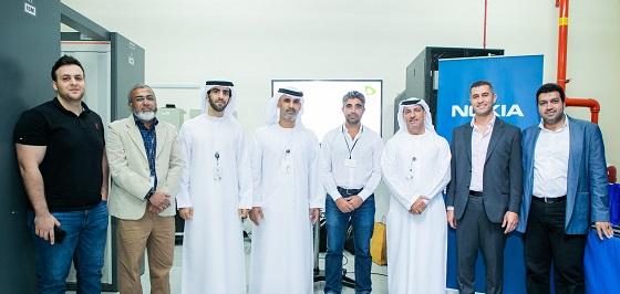 Equipos de Etisalat EAU y Nokia que llevaron a cabo la prueba.