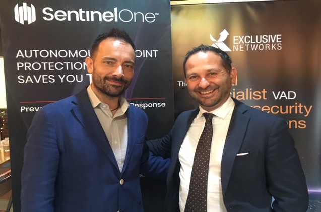 Ovanes Mikhaylov, sales manager SentinelOne; Alberto Pérez, Exclusive Networks