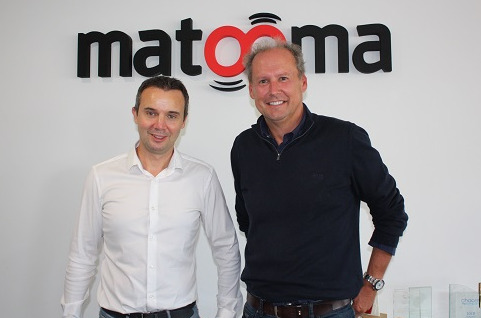 Frédéric Salles, CEO de Matooma y Oliver Tucker, CEO de Wireless Logic.