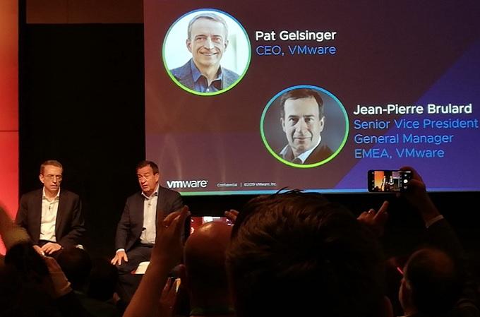 Pat Gelsinger, CEO de VMware, junto a Jean-Pierre Brulard, Senior Vice President de la compañía.