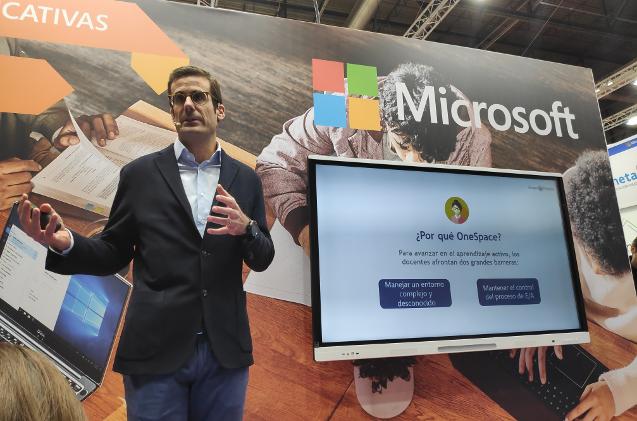 Presentación de la solución One Space en el stand de Microsoft.