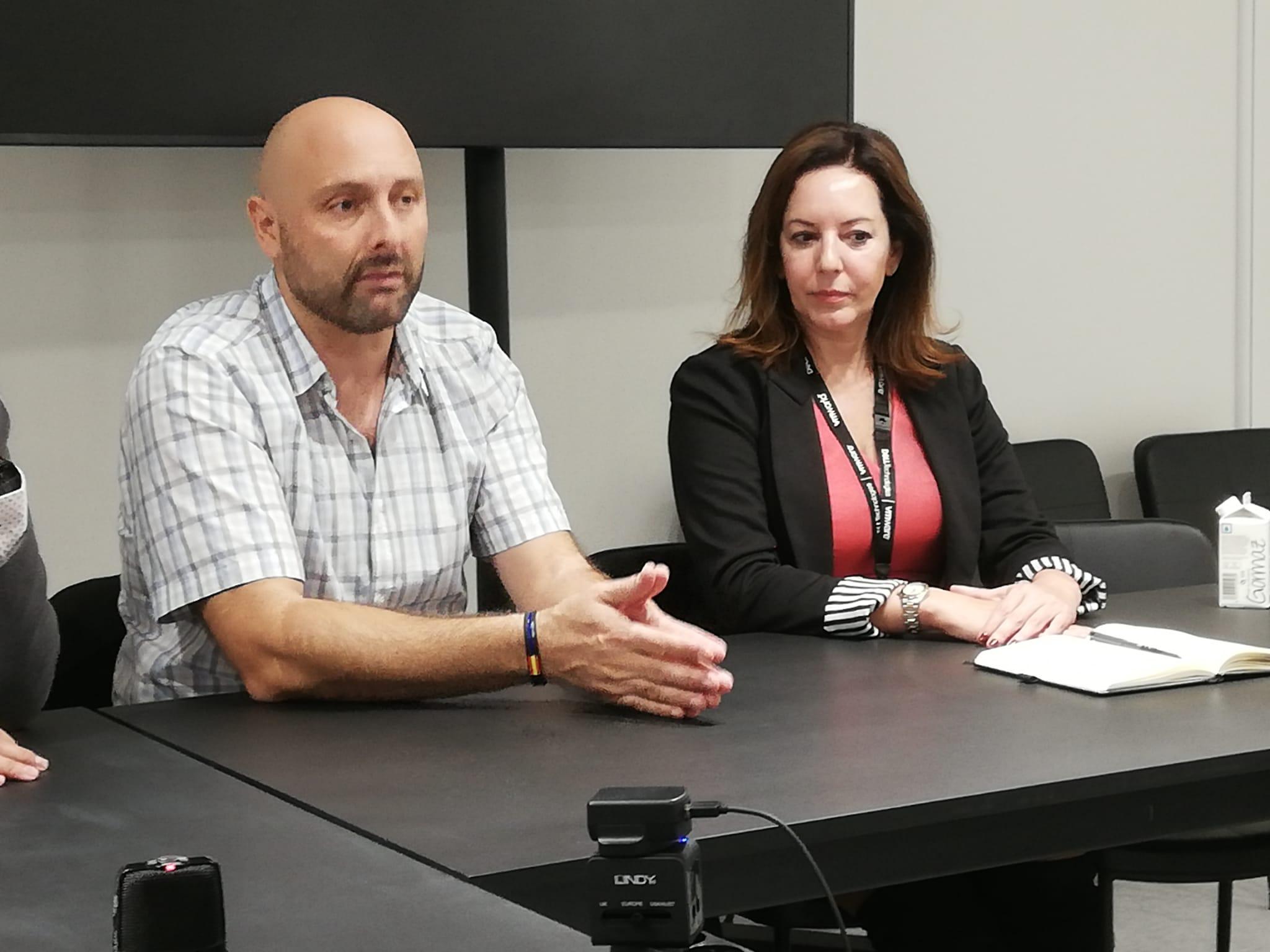 Moisés Navarro, Principal Business Solutions Strategist y María José Talavera, Directora General de VMware Iberia.