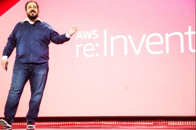 Peter DeSantis, de AWS, ha abierto las sesiones plenarias en el Reinvent 2019.
