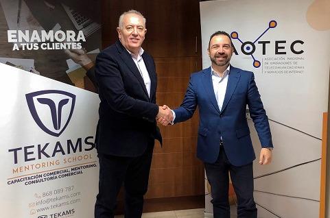 Aotec y Tekams sellan un acuerdo para potenciar la gestión comercial en las pymes de teleco.