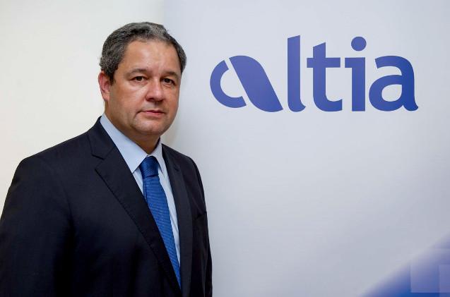 Tino Fernández, Altia