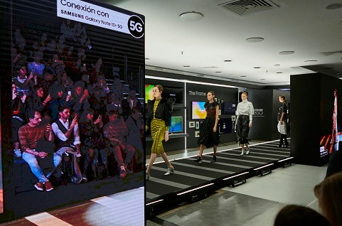Primer desfile de moda 5G en España.
