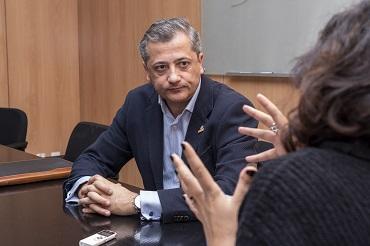 Momento de la entrevista con Carlos Martínez de Vertiv