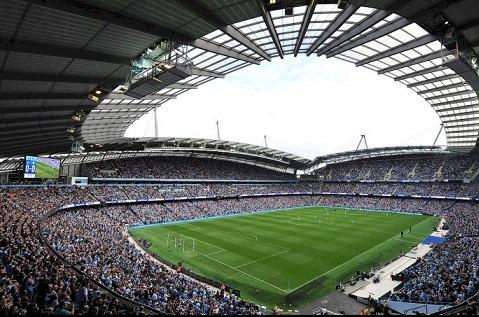 Etihad Stadium, estadio del Manchester City, mejora su conectividad con Cellnex.
