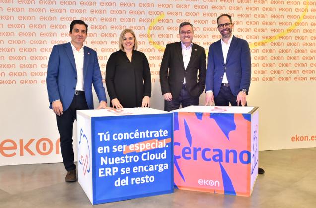 Isidro Velis (CCSO), Lorena Ferrara (CSO), Juan Antonio Fernández (CEO) y Juan José Sánchez (CMO).