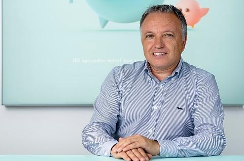 Santos Castro, director general de Oniti Telecom.