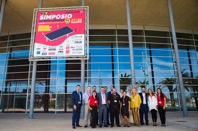 Parte del equipo de Olympia Canarias en un evento de la firma.