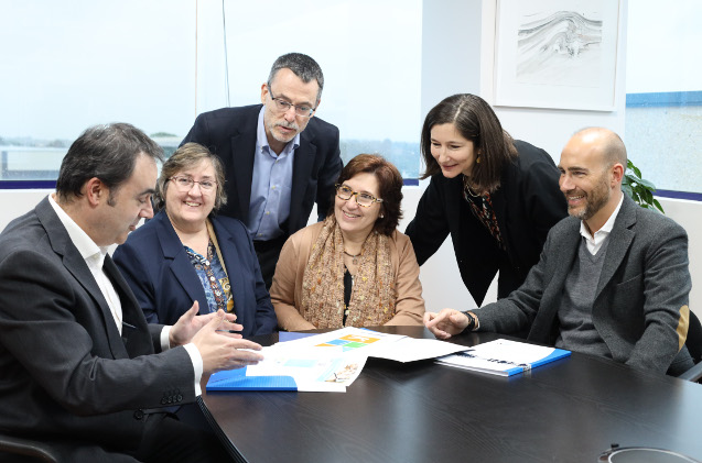 Directivos de Grupo Castilla y de Data Proces, en el acuerdo de compra.