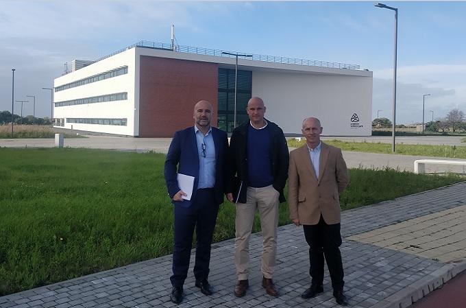 De izquierda a derecha, Javier de la Cuerda, CEO de Enimbos, Jesús Gironda, CTO de Enimbos y José María Tavera, Advisory Board Member de Enimbos.