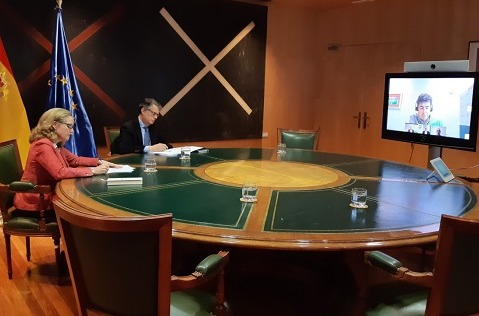 Gobierno y operadoras firman un acuerdo para asegurar las telecomunicaciones en España.