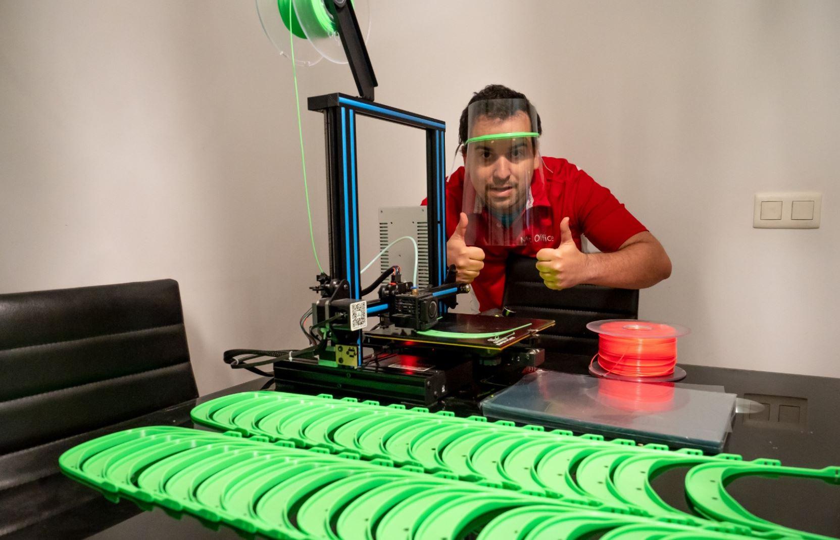 Donación de impresoras 3D de MediaMarkt para combatir coronavirus.