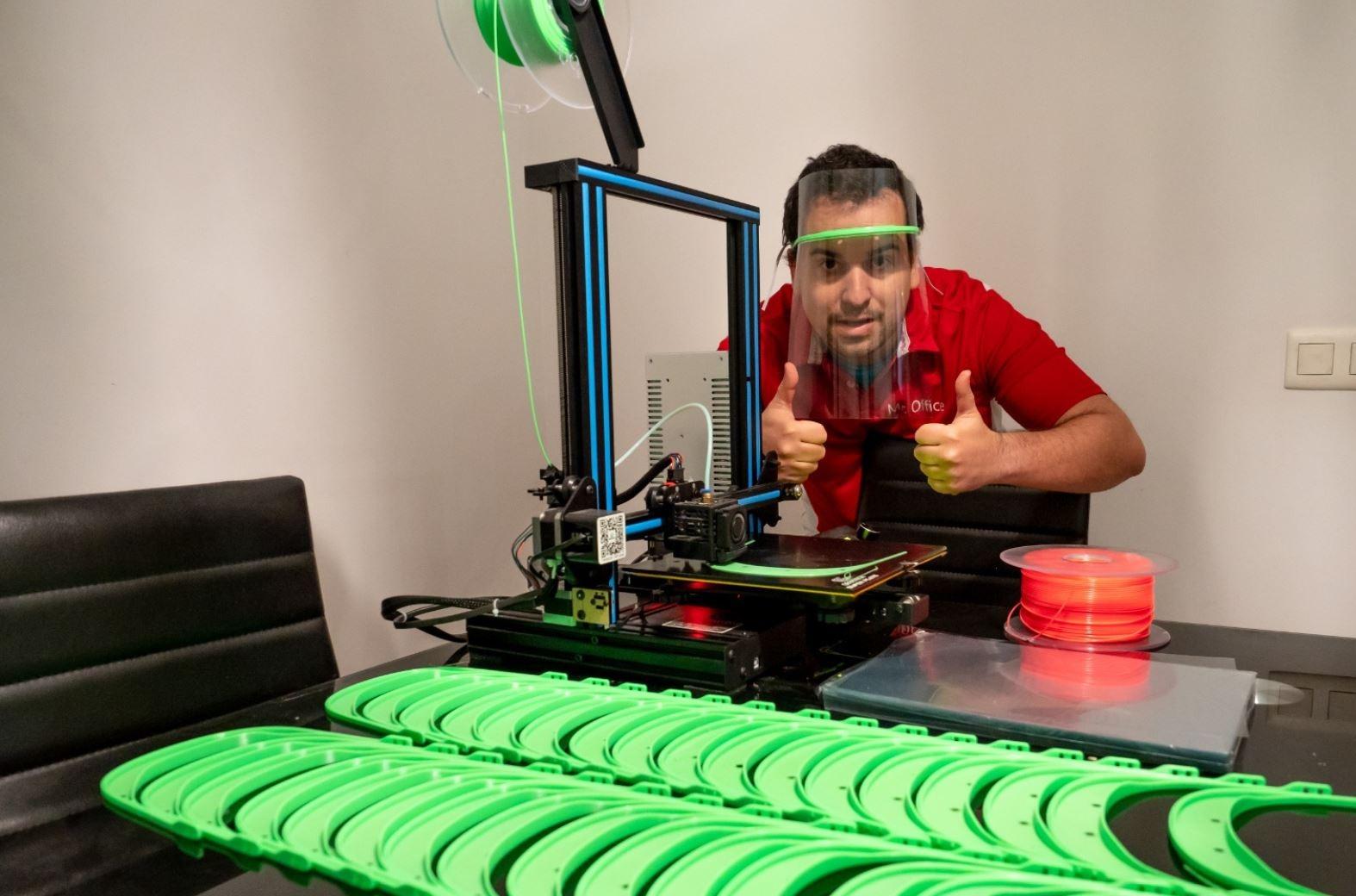 Donación de impresoras 3D de MediaMarkt para combatir el coronavirus.
